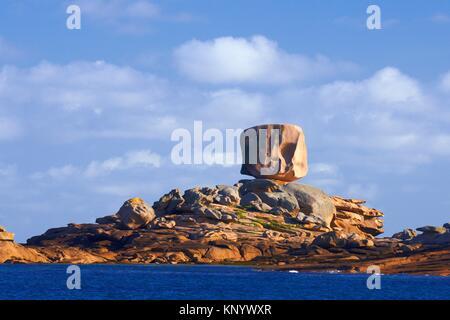 Tregastel, Rock formations, Pink granite coast, Cote de Granit Rose, Cotes d´Armor, Côtes-d´Armor, Perros-Guirec - Stock Photo