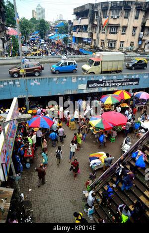 Entry to Dadar train station in Mumbai (Bombay), Maharastra, India - Stock Photo