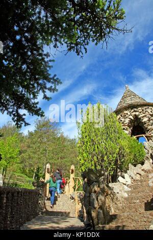 Jardins Artigas (Artigas Gardens), design by Antoni Gaudi, La Pobla ...