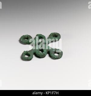 Chariot fragments, loops MET DP20759 253024 Etruscan, Chariot fragments, loops, ca. 500?480 B.C., Bronze, 2 1/16 - Stock Photo