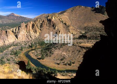 View from Misery Ridge, Smith Rock State Park, Oregon. - Stock Photo