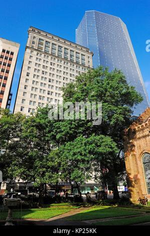 Church in Houston downtown Stock Photo: 108027509 - Alamy