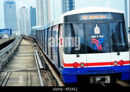 Saphan Taksin skytrain (BTS) station, Bangkok, Thailand. - Stock Photo