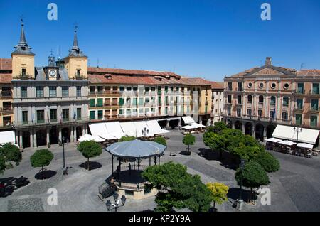 Town Hall (left), Juan Bravo Theater (right), Plaza Mayor, Segovia, UNESCO World Heritage Site, Spain - Stock Photo