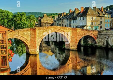 old bridge, vieux pont, over Lot River, Espalion, Aveyron Department, Occitane, France. - Stock Photo
