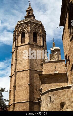 Torre del Miguelete o del Micalet, campanario de la catedral de Valencia – Comunidad Valenciana – España - Europa - Stock Photo