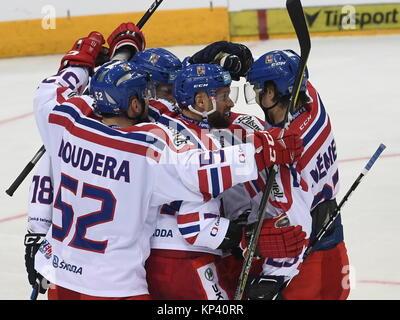 Prague, Czech Republic. 13th Dec, 2017. Czech players celebrate Martin Ruzicka's (centre) goal during their Channel - Stock Photo