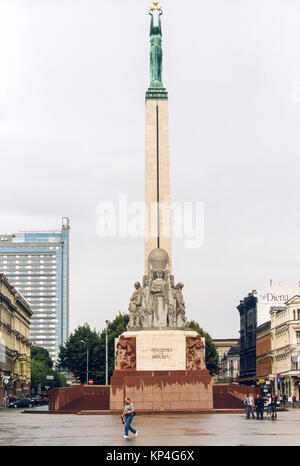 FREEDOM MONUMENT Riga Latvia memorial for honouring soldiers killed during the Latvian War of Independence 1918 - Stock Photo