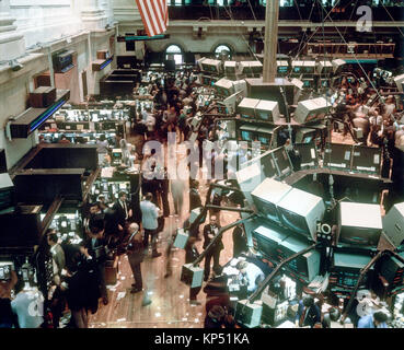 May 1982,New York,NYSE,Stock Exchange interior,trading floor overview,financial district,Manhattan,New york City,NY,NYC,USA, - Stock Photo