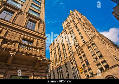 New York Life Building from E 26 Street, Midtown, Manhattan, New York City, New York, USA. - Stock Photo