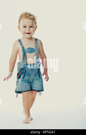 Kleiner Junge in Lederhose - little boy in leather pants - Stock Photo