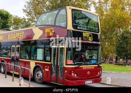 BUDAPEST, HUNGARY- 28 OCTOBER 2017: Sightseeing bus in Budapest - Stock Photo