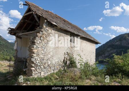 Lanuza village and reservoir in Tena valley Alto Gallego Huesca Aragon Spain. - Stock Photo