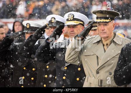 U.S. Naval Academy Command Master Chief Jeffrey Kirby (left), U.S. Navy Master Chief Petty Officer Steven Giordano, - Stock Photo