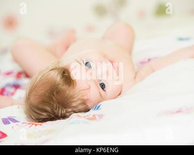 Bub, 6 Monate alt - little boy, 6 month - Stock Photo