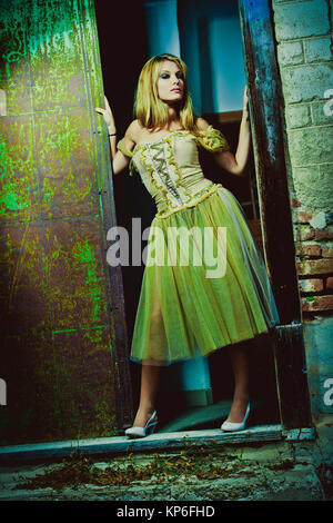Junge Frau posiert in historischem Kostuem - young woman posing - Stock Photo
