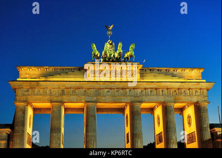 The neoclassical Brandenburger Tor -Brandenburg Gate-, XVIIIth-century, by Carl Gotthard Langhans. Berlin, Germany - Stock Photo