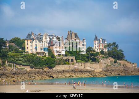 Gorgeous view of the houses, manors, and mansions all along the Beautiful beach of Dinard, in Brittany, France. - Stock Photo