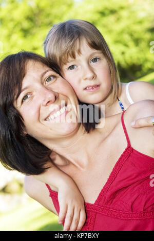 Model release, Mutter und Tochter - mother and daughter - Stock Photo