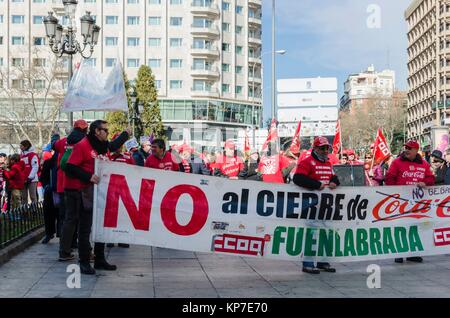 Some workers in protest against the closing of Coca Cola Fuenlabrada factory, Plaza de España on 22 January 2017, - Stock Photo