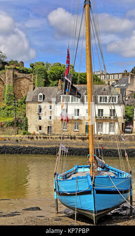 blue boat in the port of saint goustan in brittany - Stock Photo