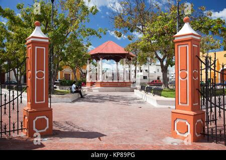 View to the Parque de Guadalupe-Guadalupe Park, Campeche City, Campeche State, Yucatan Province, Mexico, Central - Stock Photo