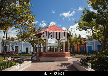 View to the Parque de Guadalupe-Guadalupe Park, Campeche City, Campeche State, Mexico, Central America - Stock Photo