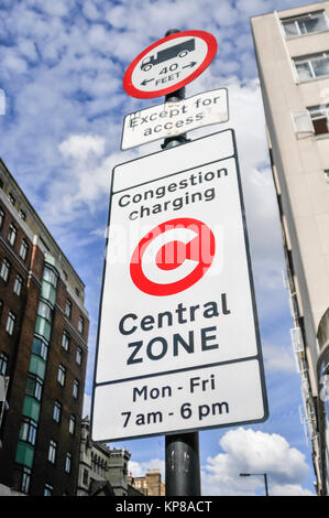 Sign at the start of the Congestion Charging zone in London - Stock Photo