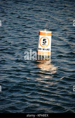 signalboje speed limit - Stock Photo