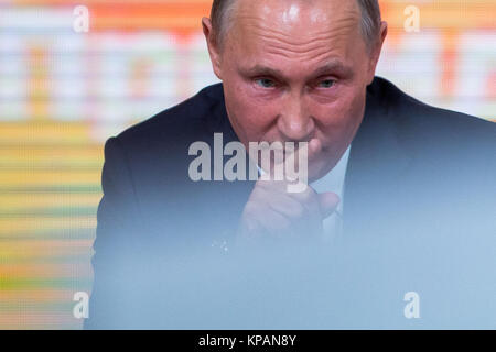 Moscow, Russia. 14th Dec, 2017. Russian President Vladimir Putin addresses his annual press conference in Moscow, - Stock Photo