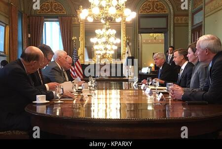 Washington DC, USA. 14th Dec, 2017. U.S. Vice President Mike Pence, left, meets with three other Republican governors - Stock Photo