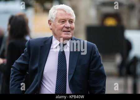 London, UK. 22nd November, 2017. Paddy Ashdown, Liberal Democrat politican and former diplomat, arrives on College - Stock Photo