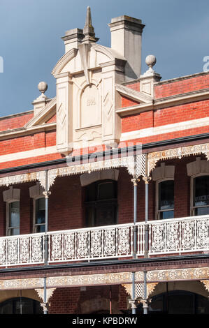 Colonial-era Victorian buildings in Vincent Street, Daylesford, in the Central Highlands of  Victoria, Australia - Stock Photo
