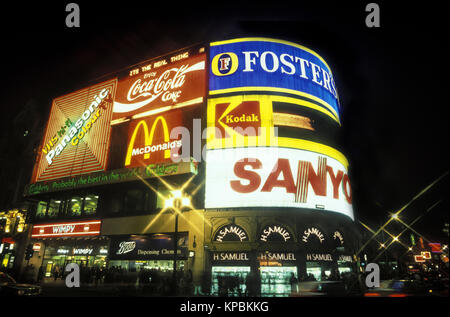 1988 HISTORICAL NEON BILLBOARDS PICCADILLY CIRCUS WEST END LONDON ENGLAND UK - Stock Photo