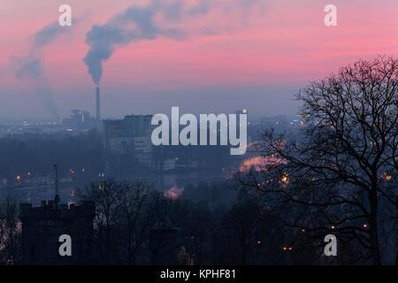 Blick von der Peterstirn mit seinen Weinlagen auf die Industriestadt Schweinfurt und ihr Umland in der Mainebene, - Stock Photo