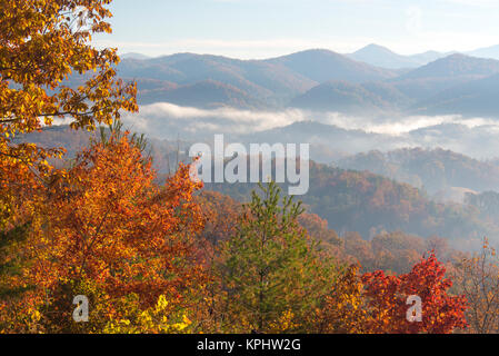 Usa, Tennessee. Morning light Fog in valleys Smoky Mountain National Park viewed from Foothills Parkway - Stock Photo