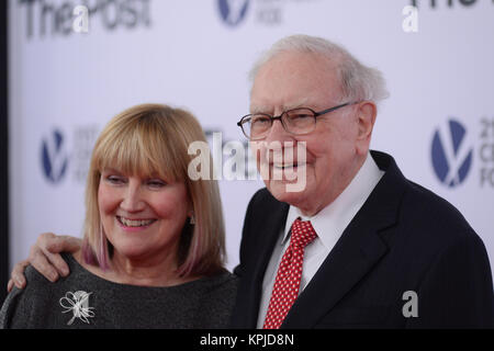Susan Buffett and Warren Buffett arrives at 'The Post' Washington, DC Premiere at The Newseum on December 14, 2017 - Stock Photo