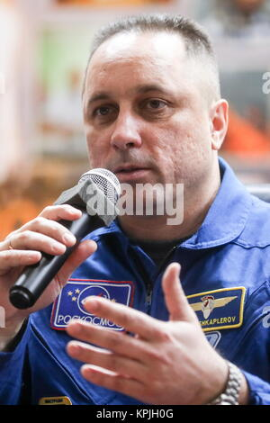 Baikonur, Kazakhstan. 16th Dec, 2017. ISS Expedition 54/55 crew member, Russian cosmonaut Anton Shkaplerov of Roscosmos, - Stock Photo