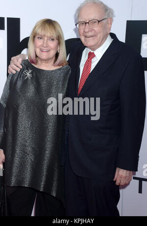 WASHINGTON, D.C. DECEMBER 14: Susie Buffett and Warren Buffett at the premiere of 'The Post' on December 14, 2017, - Stock Photo