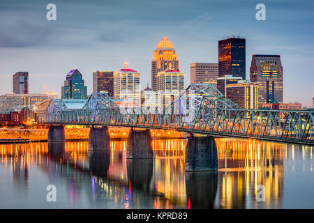 louisville-kentucky-usa-skyline-on-the-r