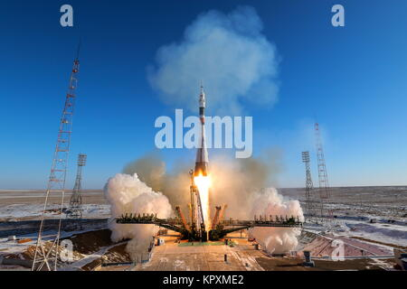 Baikonur, Kazakhstan. 17th Dec, 2017. A Soyuz-FG booster rocket carrying the Soyuz MS-07 has been launched from - Stock Photo
