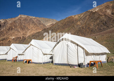 Sarchu camping tents at the Leh - Manali Highway in Ladakh region, Northern India. - Stock Photo