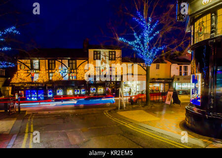 Tunbridge Wells G Collins and Sons Independent Jewellers with Royal Warrant to HM Queen Elizabeth Christmas display - Stock Photo