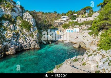 The idyllic Cala dell'Acquaviva, near Castro, in the Salento region of Puglia (Apulia), southern Italy. - Stock Photo