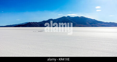 Worlds biggest salt plain Salar de Uyuni, Bolivia - Stock Photo