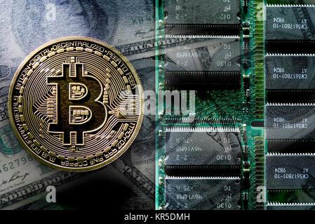 Coin with Bitcoin sign and dollar marks, Kryptow?hrung Bitcoin, Münze mit Bitcoin-Zeichen und Dollarnoten, Kryptowährung - Stock Photo