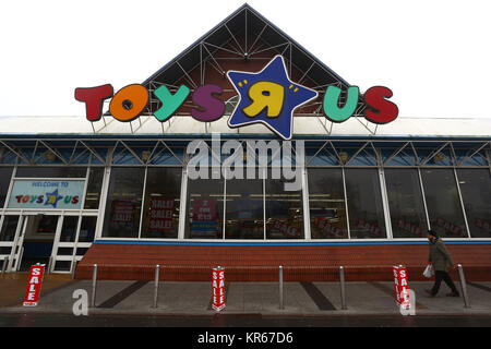 Stockport, UK. 19th Dec, 2017. A general view of the Stockport Peel Centre branch of Toys R US, Greater Manchester, - Stock Photo