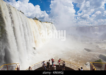 View along the Iguacu (Iguazu) Falls, Cataratta Foz do Iguacu, Parana, Iguazu National Park, Brazil.