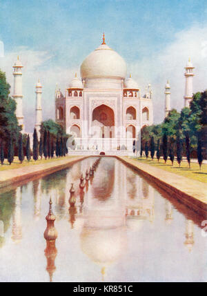 The Taj-Mahal, Agra, Uttar Pradesh, India.  It was commissioned in 1632 by the Mughal emperor, Shah Jahan to house - Stock Photo