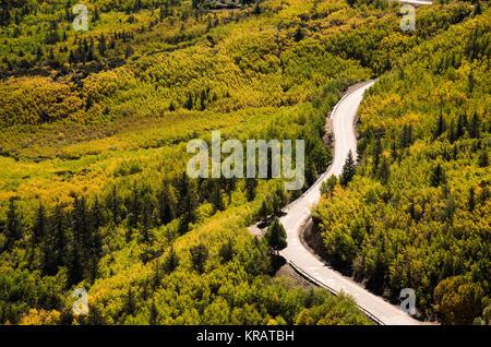 No. 318 highway, Sichuan Tibet railway, Tibet - Stock Photo